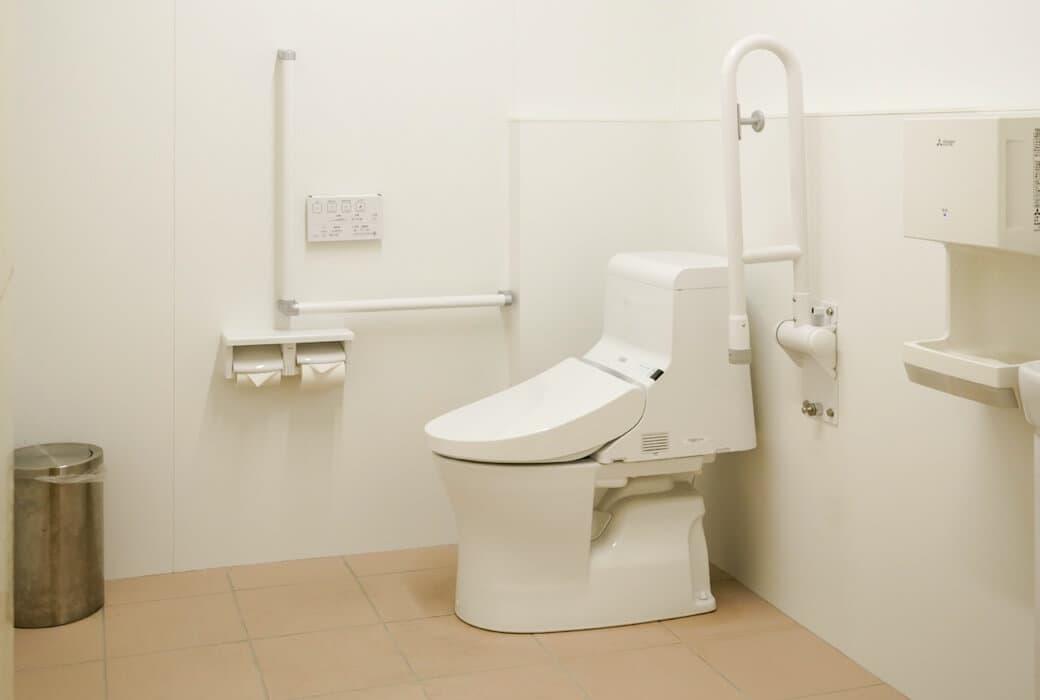 バリアフリー用トイレ