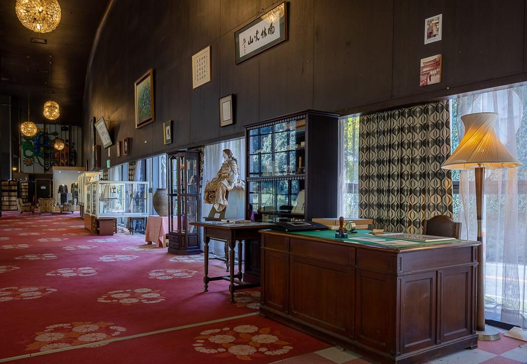 奥道後ホテル創始者の坪内壽夫の記念館